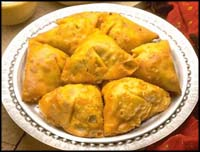 http://www.qassimy.com/up/users/moh/indianSamosa.jpg