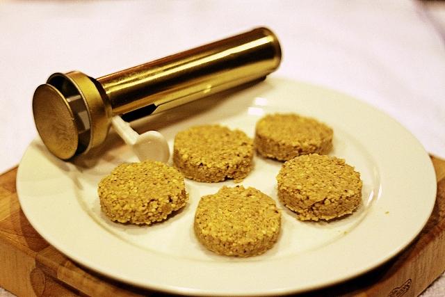 http://www.qassimy.com/up/users/qassimy/Falafel_and_Bharat-falafel-mix.jpeg