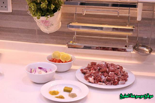 http://www.qassimy.com/up/users/qassimy/arabic-food-cooking-recipes-in-arabic-mugalgal-lamb2.jpg