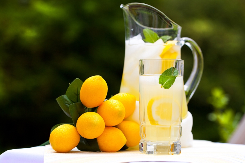 http://www.qassimy.com/up/users/qassimy/how-to-make-Lemon-juice-benefits-lemon.jpg