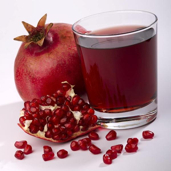 http://www.qassimy.com/up/users/qassimy/how-to-make-Pomegranate-juice-benefits-of-pomegranate.jpg