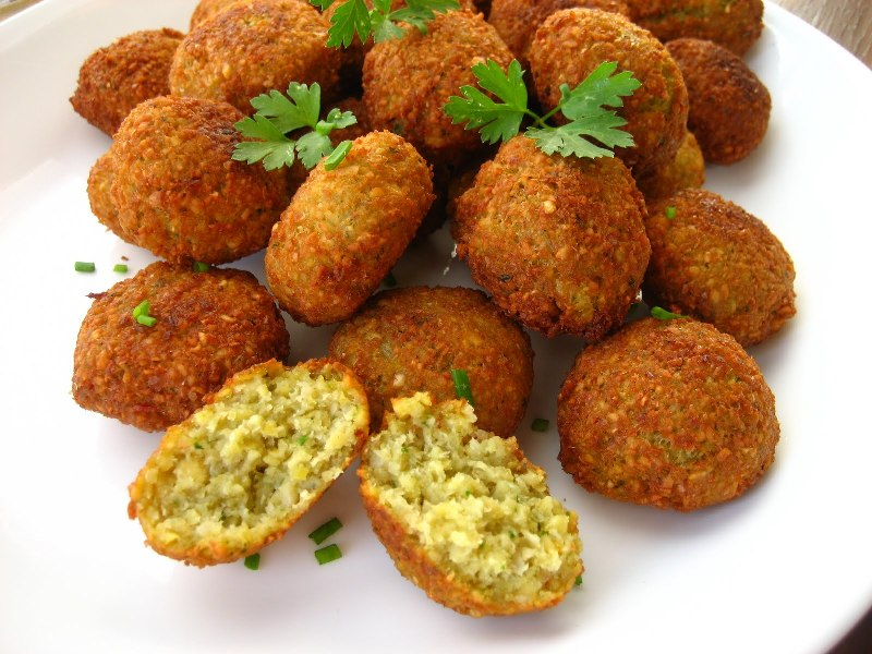http://www.qassimy.com/up/users/qassimy/picture-of-how-to-make-egyptian-falafel-recipe4.jpg