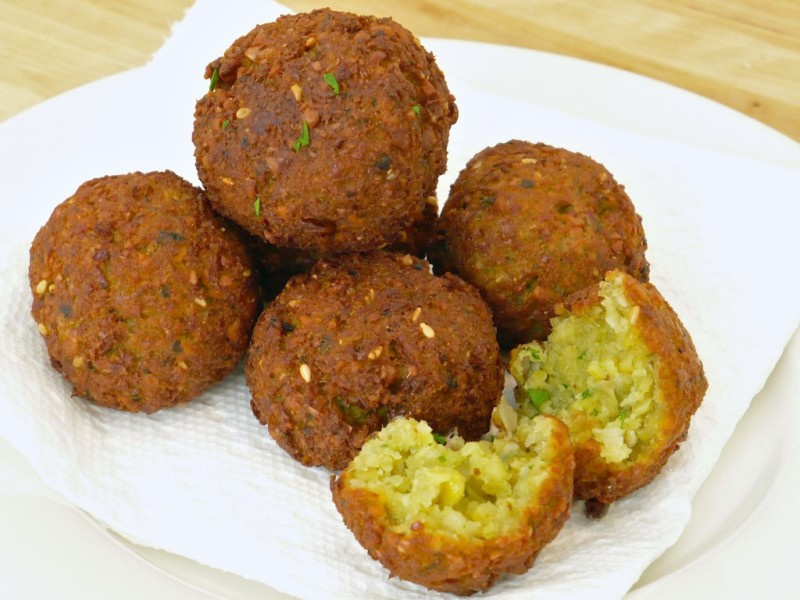 http://www.qassimy.com/up/users/qassimy/picture-of-how-to-make-egyptian-falafel-recipe5.jpg