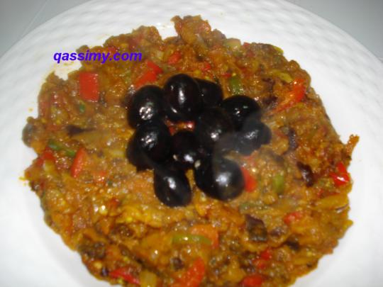 http://www.qassimy.com/up/users/wahd/modhela_qassimy_24.jpg