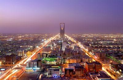 الدليل السياحي للمسافر الخليجي و العربي مواقع + ارقام فنادق .. Fahad-ulaya-road--night1